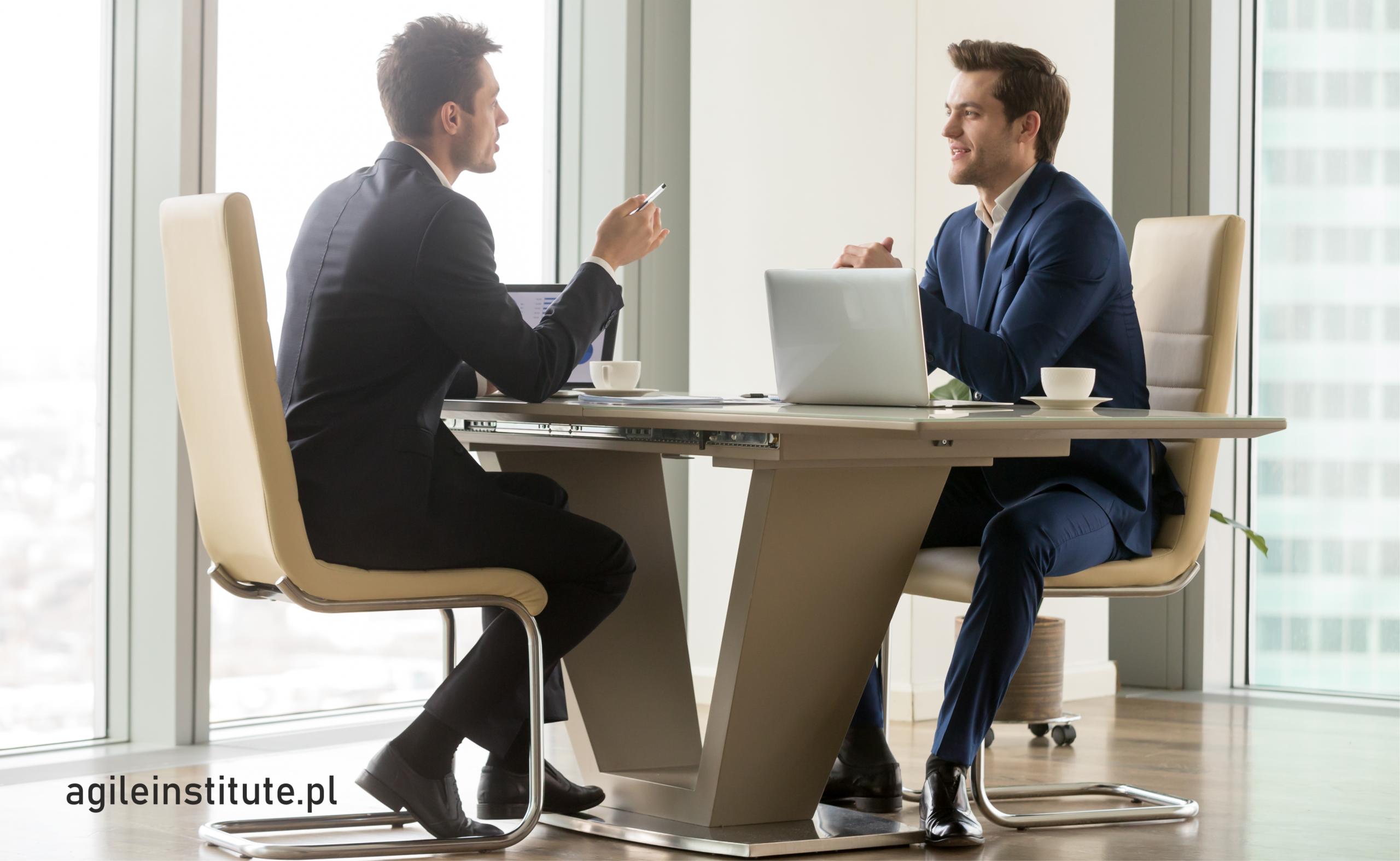 Dlaczego warto inwestować w umiejętność aktywnego słuchania? (część I)